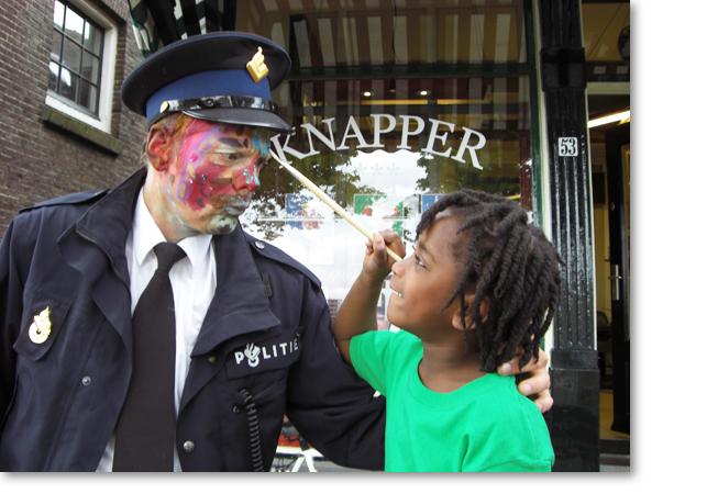 Kinderen schminken autoriteiten